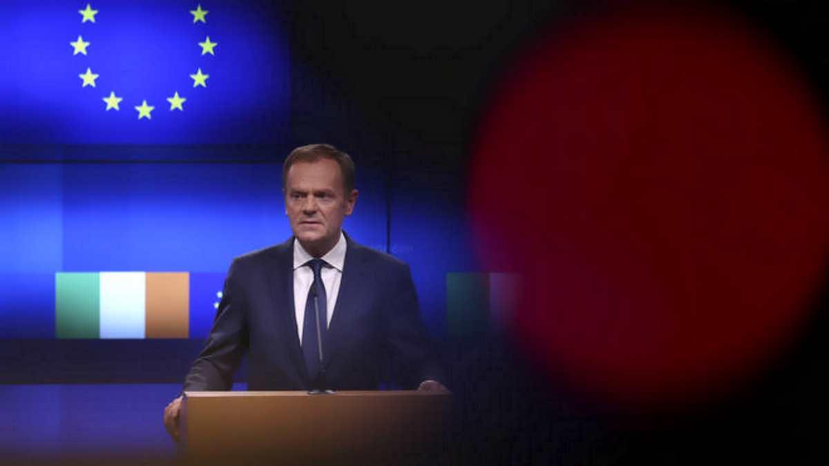 Tusk alla May: l'accordo sulla Brexit non cambia