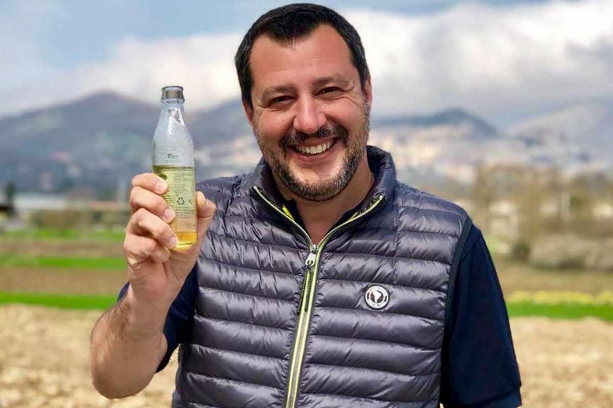 Salvini oggi è assente al Senato. Allora è al Viminale? Neppure... è a fare campagna elettorale
