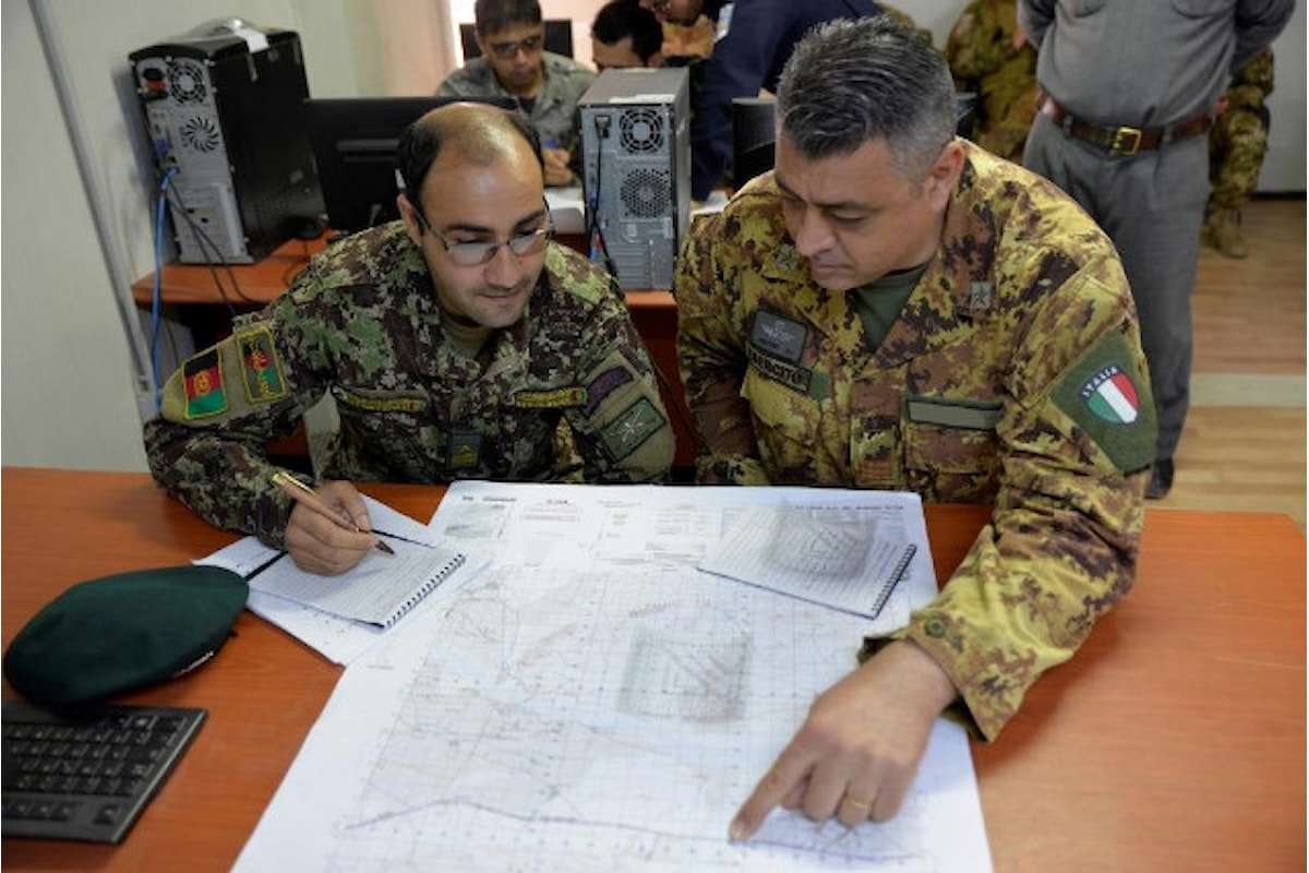 Afghanistan, militari italiani concludono il corso map reading per le forze di sicurezza afgane