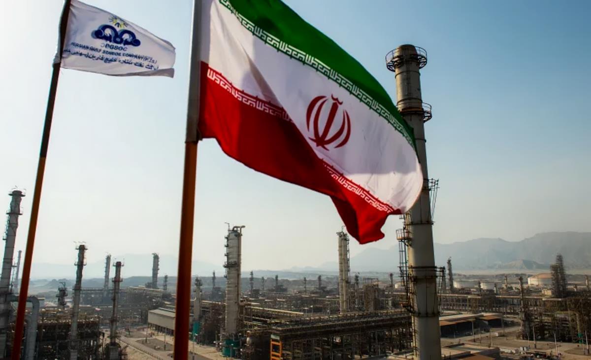 Trump annulla le esenzioni per l'importazione di greggio dall'Iran, imponendone il divieto... anche all'Italia!