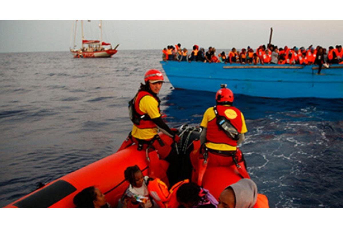 La Open Arms è di nuovo in mare e salva 40 migranti già presi in carico dall'Italia