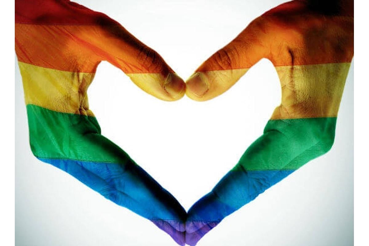 Tinder e l'allarme per i viaggiatori LGBT