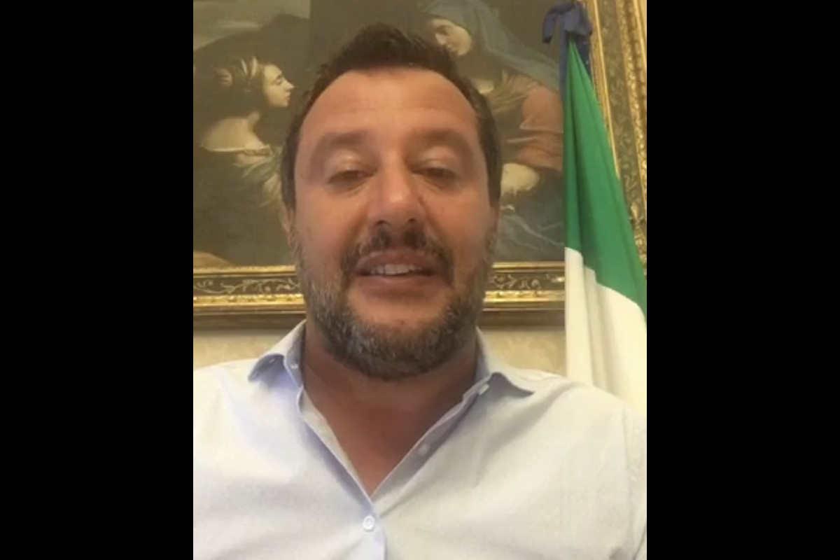 Salvini: assegnati i migranti a bordo della Gregoretti