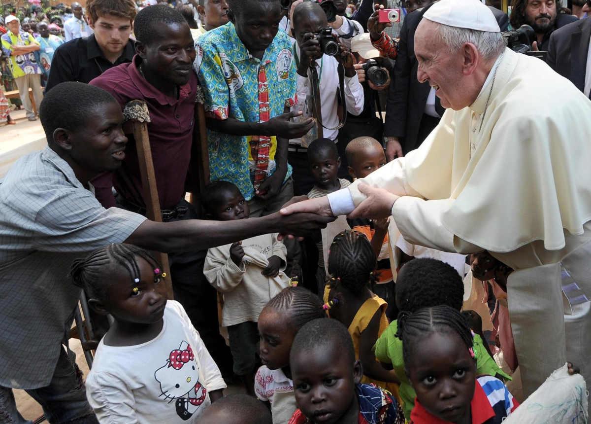 Papa Francesco sui sovranismi: Sono preoccupato perché si sentono discorsi che assomigliano a quelli di Hitler nel 1934