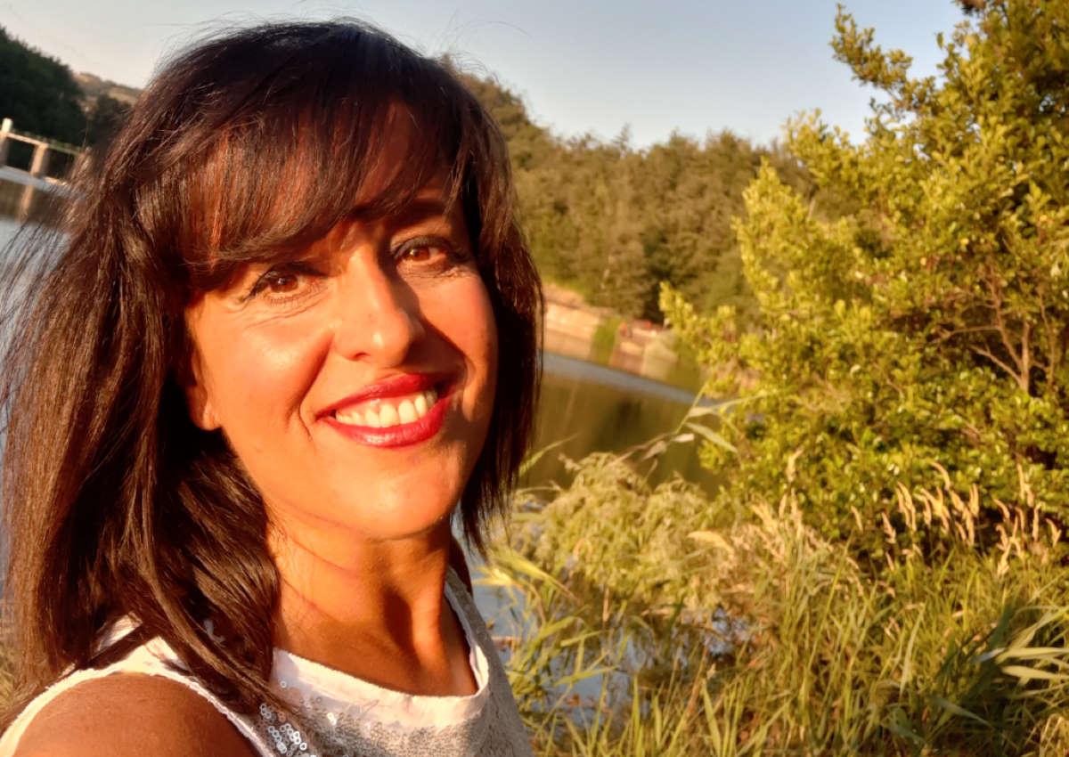 Teresa Averta vincitrice del premio selezione POESIA È RIFARE IL MONDO