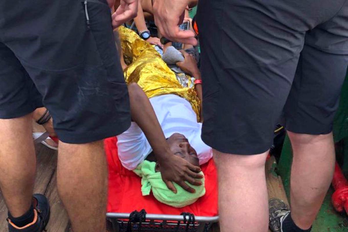 A terra per motivi sanitari anche gli ultimi 31 migranti rimasti a bordo della Mare Jonio