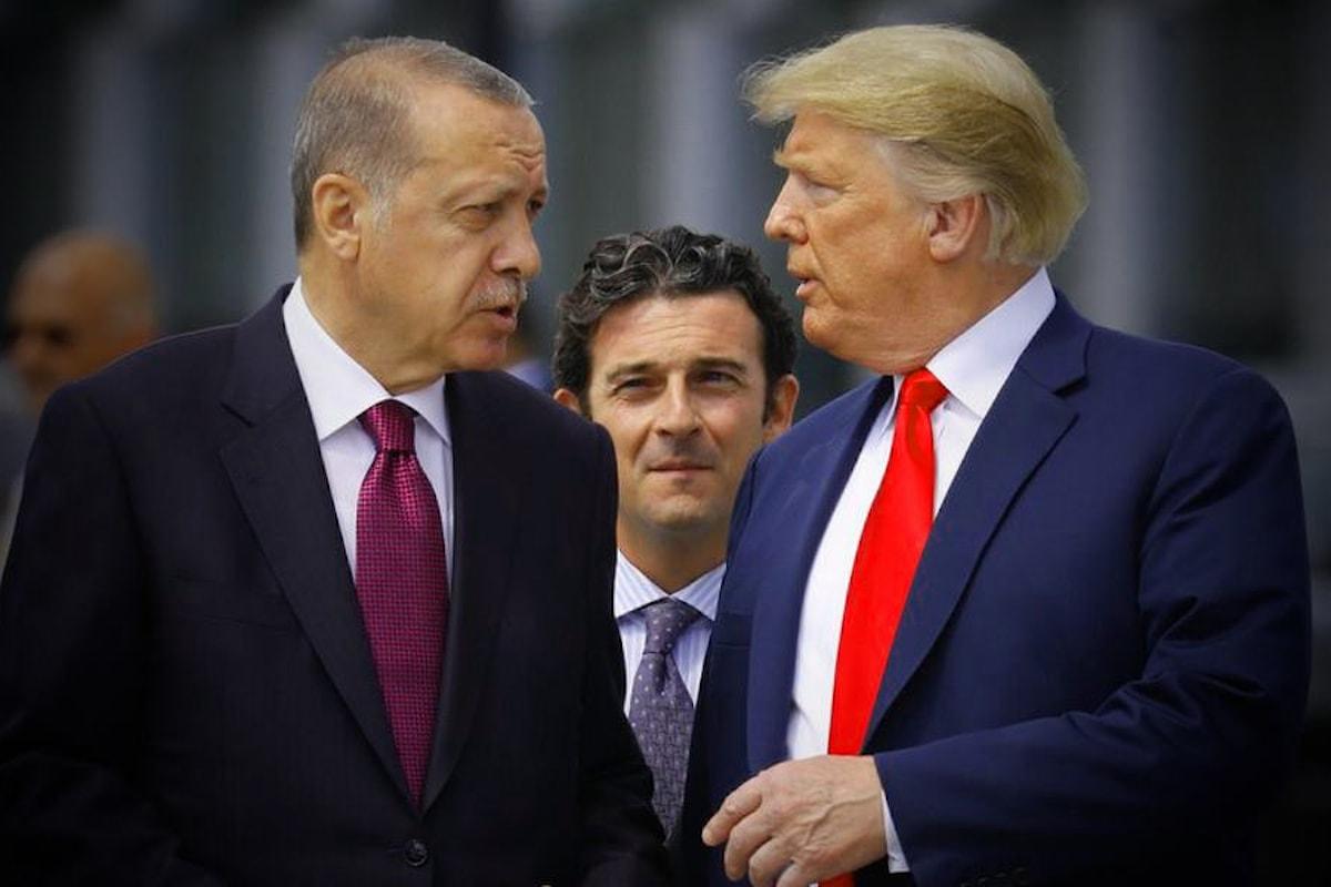 La Turchia di Erdogan con la complicità di Trump ha iniziato l'invasione del nord della Siria, il Kurdistan occidentale