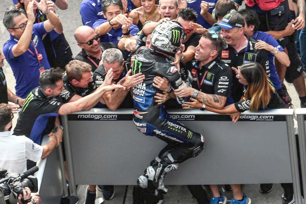MotoGP, è Vinales a tagliare per primo il traguardo di Sepang