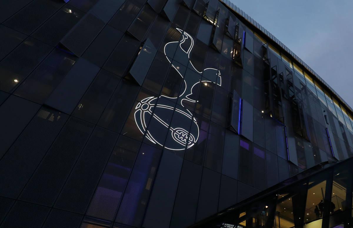 Il Tottenham licenzia Mauricio Pochettino e lo sostituisce con Jose Mourinho
