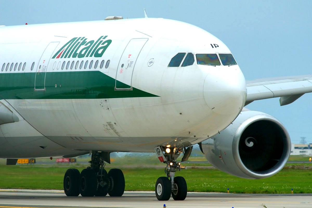 Atlantia denuncia lo stallo su Alitalia mentre i sindacati annunciano uno sciopero per il 13 dicembre
