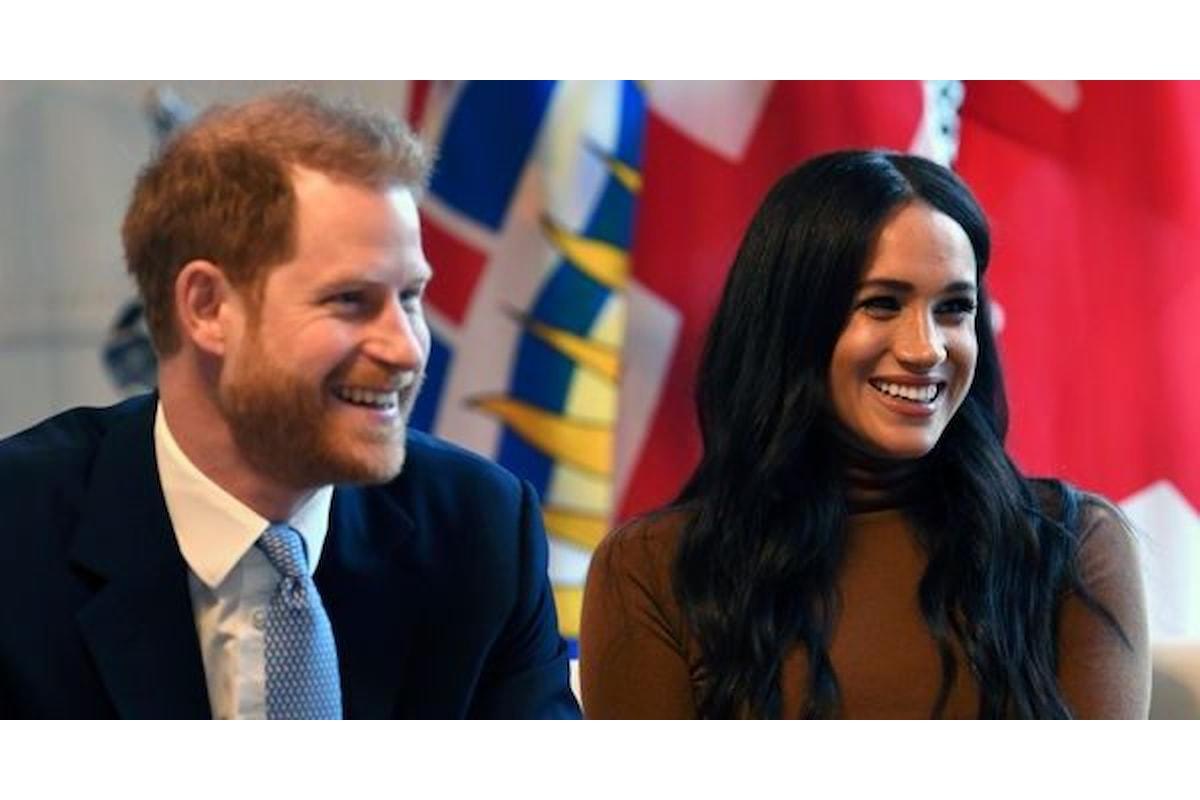 I duchi di Sussex, Harry e Meghan, si dimettono dalla Famiglia Reale. La regina è furiosa!