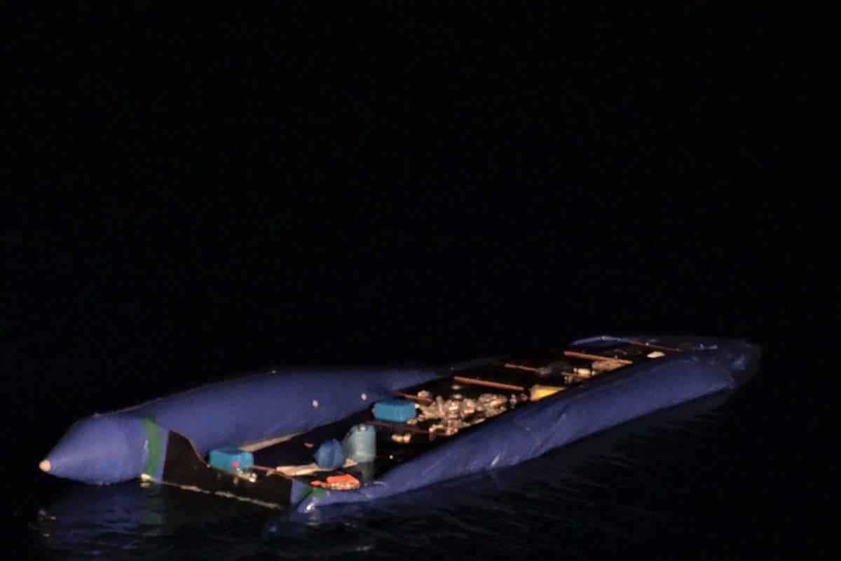 L'Italia invia il nuovo memorandum alla Libia, ma Tripoli ha sospeso i soccorsi e senza ong 91 persone rischiano di annegare