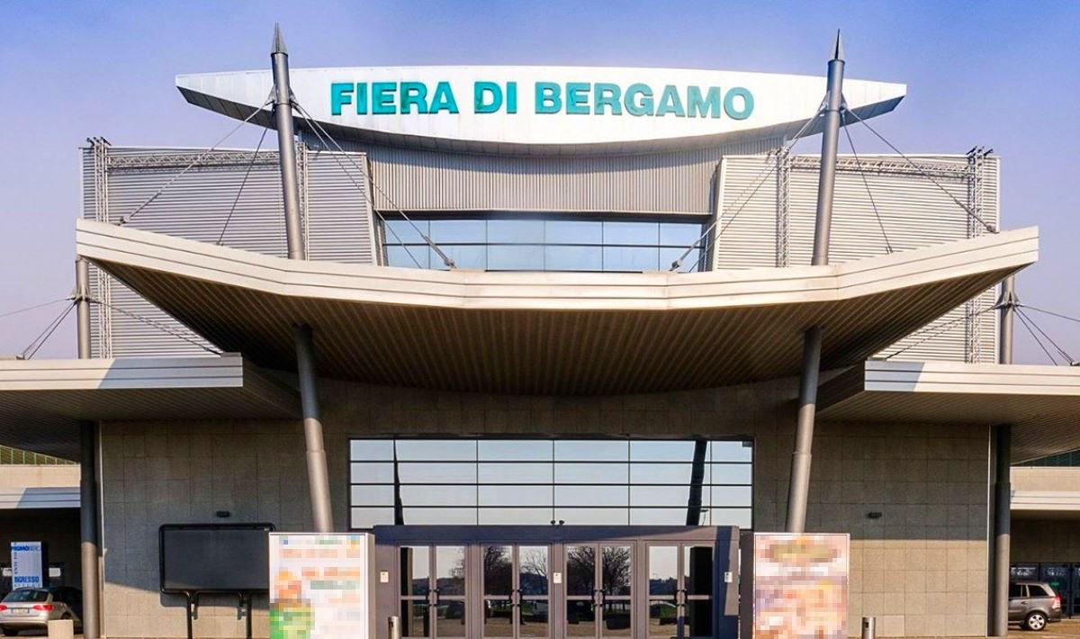 Bergamo: Alpini allestiscono l'ospedale da campo più grande d'Europa per l'emergenza coronavirus