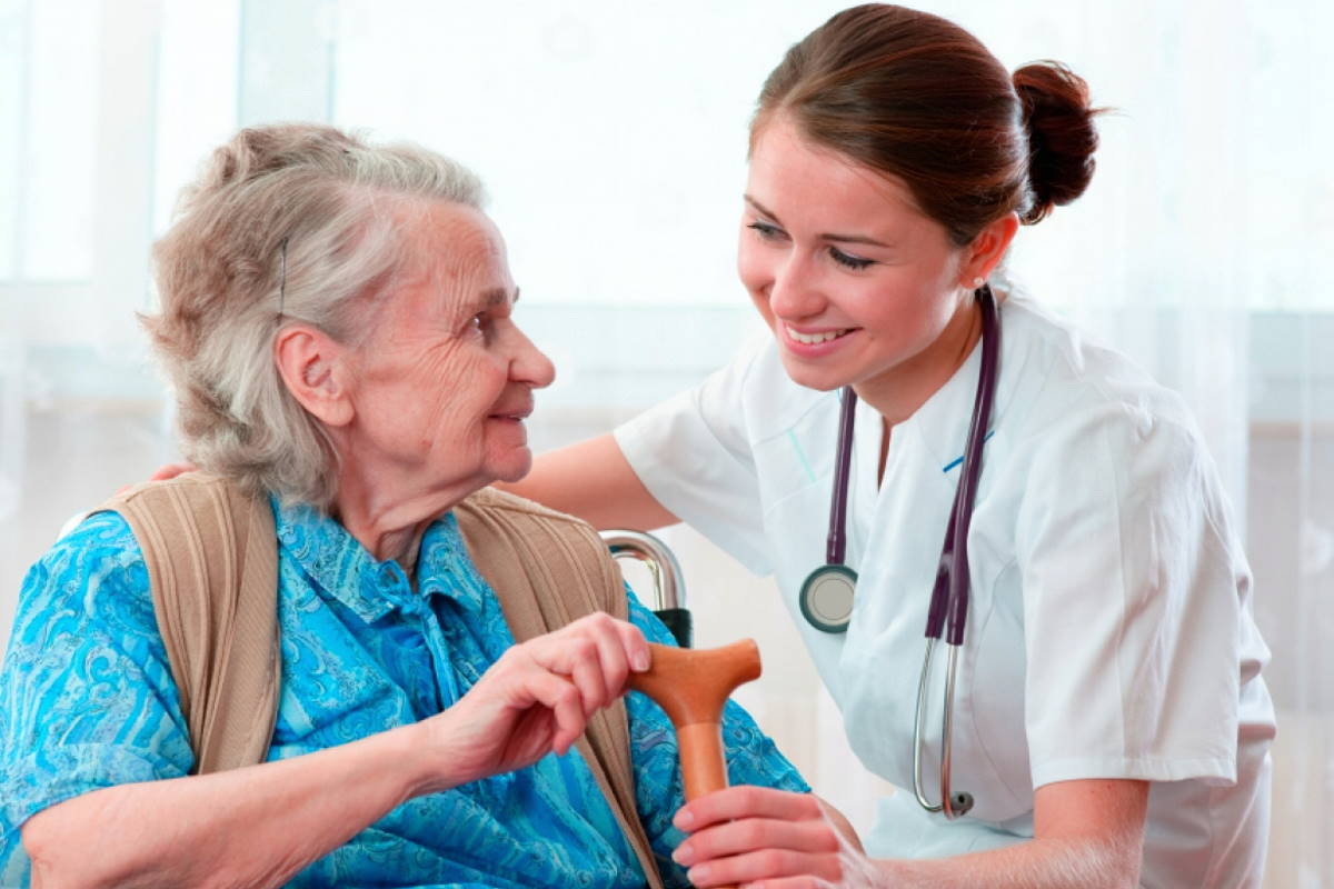 I malati fragili e la demenza senile: un sorriso o un bacio per alcuni malati rappresentano spesso una terapia più importante di quella farmacologica