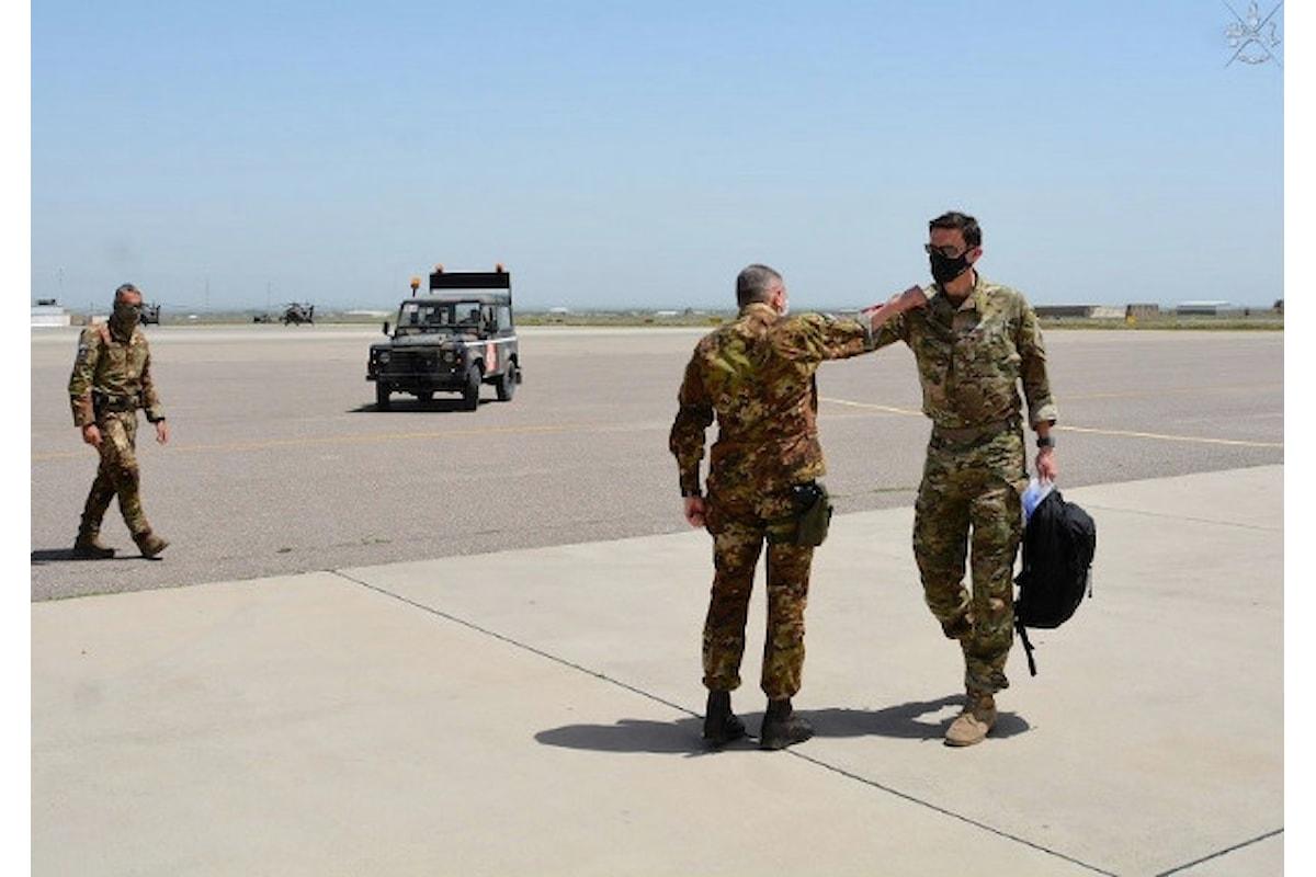 Afghanistan: il Generale Hill incontra il Generale Barduani ed elogia i militari italiani a Camp Arena
