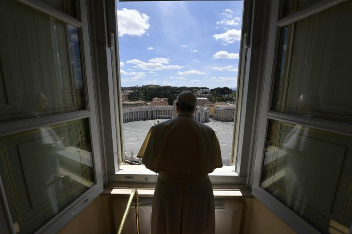 Il Papa, per il 14 maggio, ha invitato i credenti di tutte le religioni a pregare Dio di aiutare l'umanità a superare la pandemia