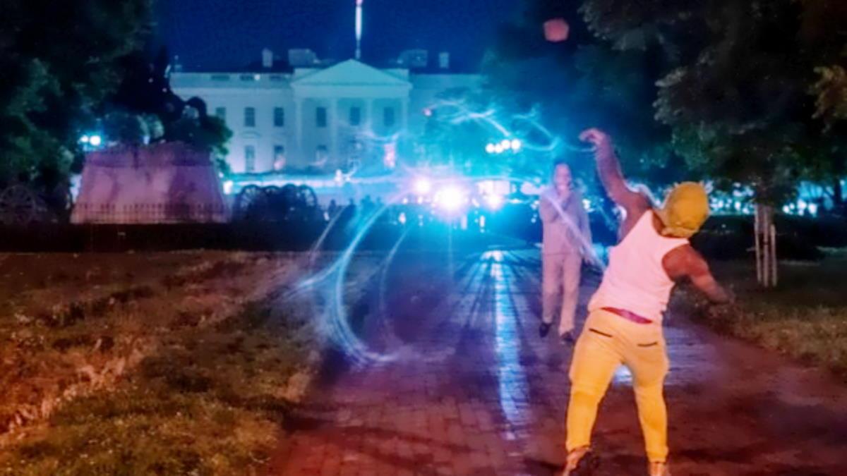 Le proteste per l'omicidio di George Floyd si sono allargate a tutti gli Stati Uniti
