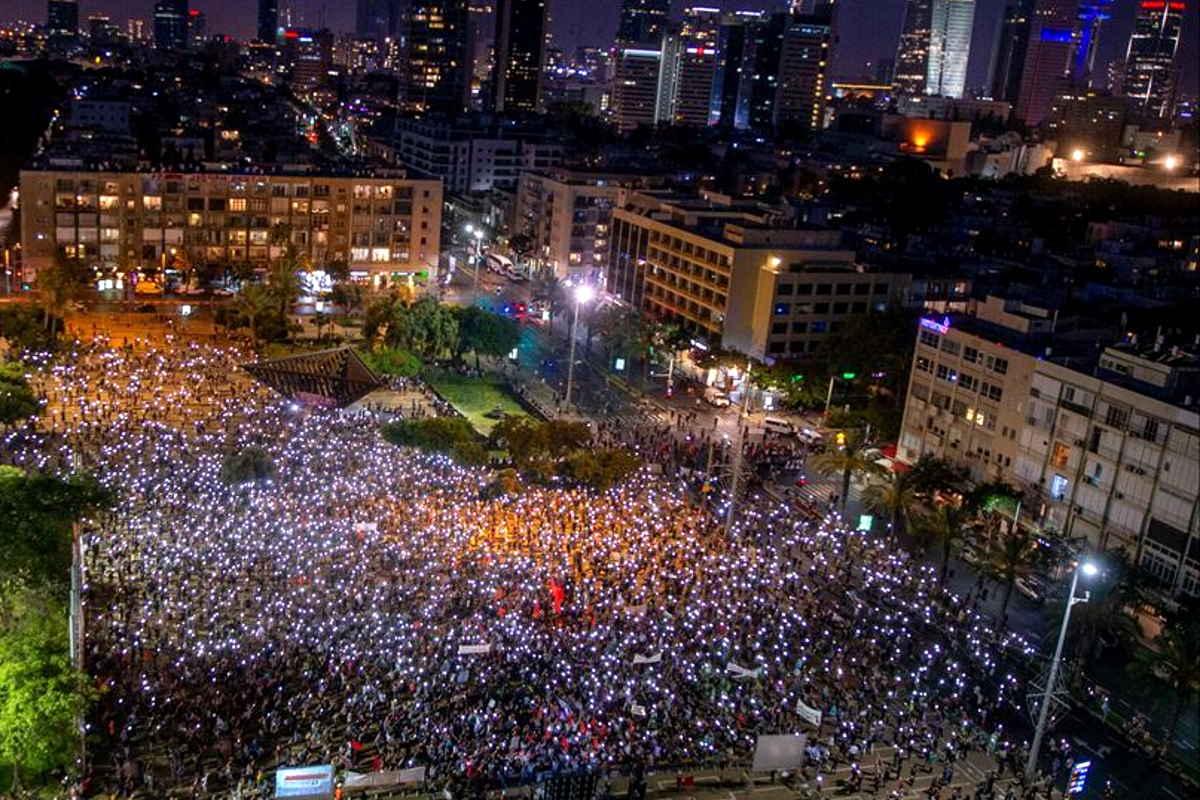 Sabato 6 giugno, israeliani e palestinesi hanno protestato contro il piano di Netanyahu per l'annessione della Cisgiordania