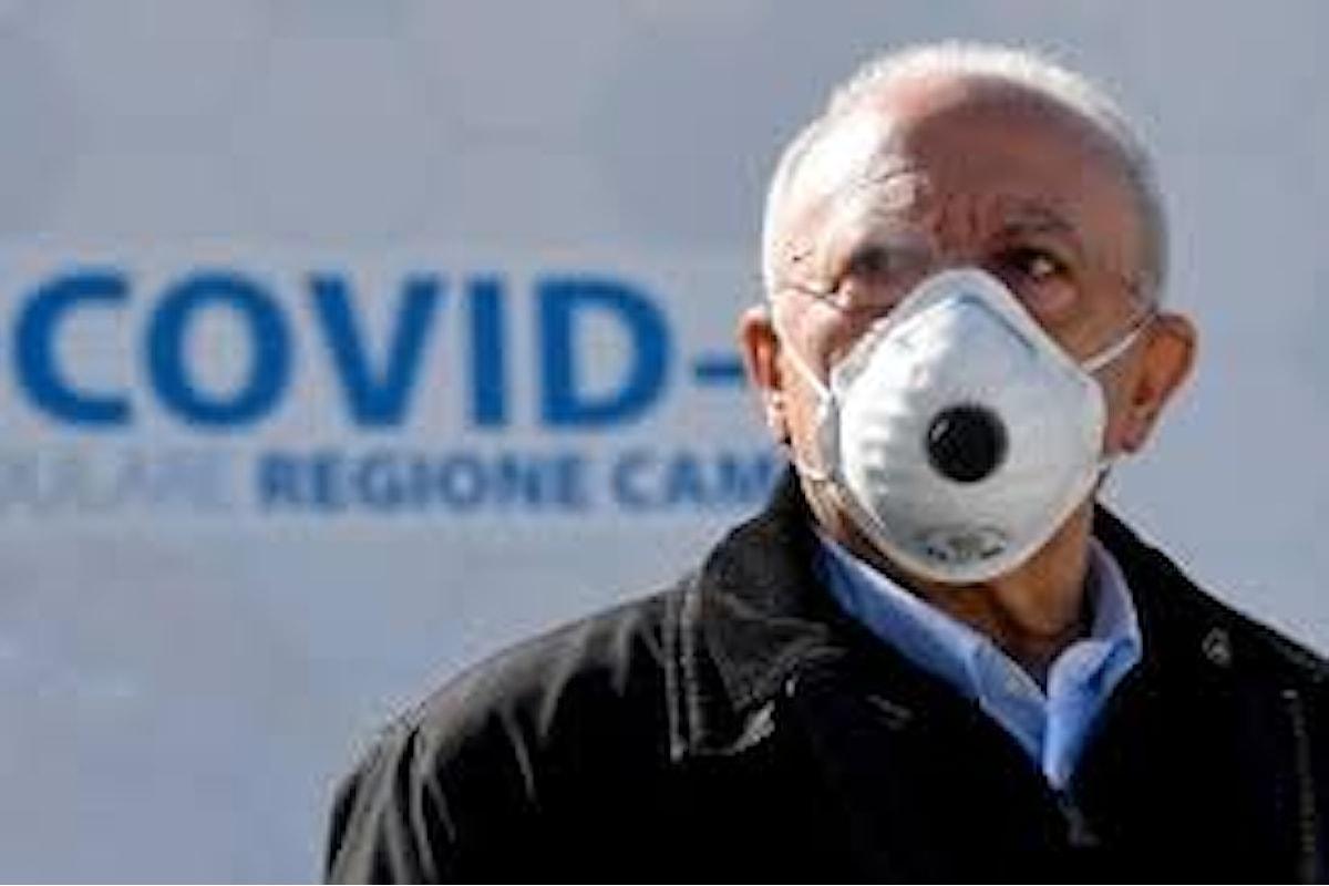 I presidenti degli ordini dei medici campani scrivono a De Luca per chiedere maggiore incisività sulle politiche anti Covid. Cosa sta accadendo al virus?
