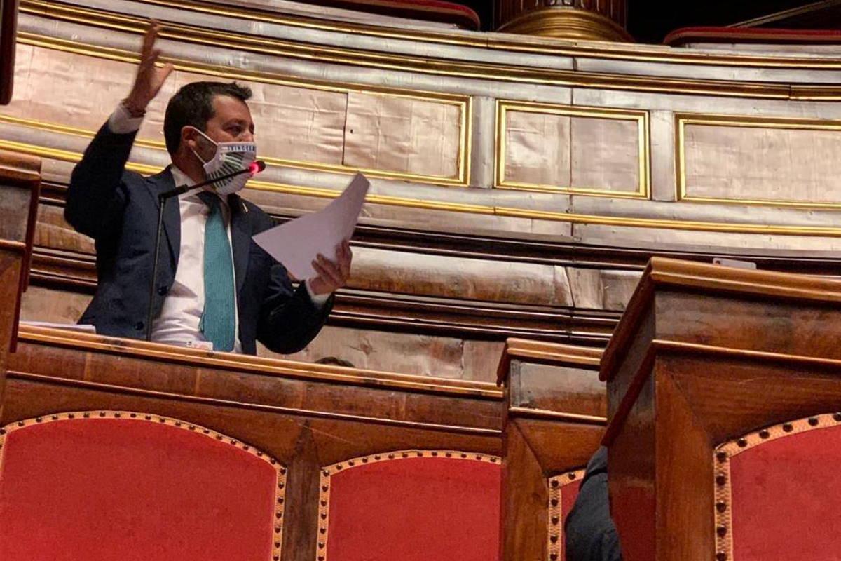 Salvini si è dimenticato della pandemia e adesso passa il tempo a chiedere le dimissioni della ministra Lamorgese