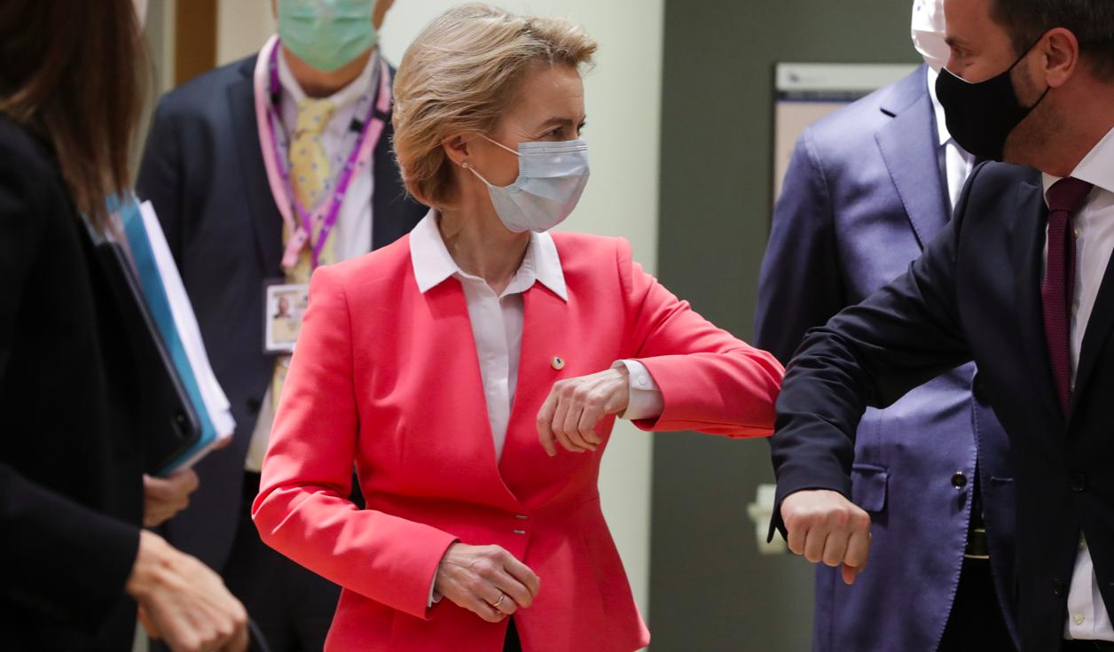 Vaccino per 700 milioni di persone ma solo da aprile 2021: l'annuncio della presidente Ue Von Der Leyen