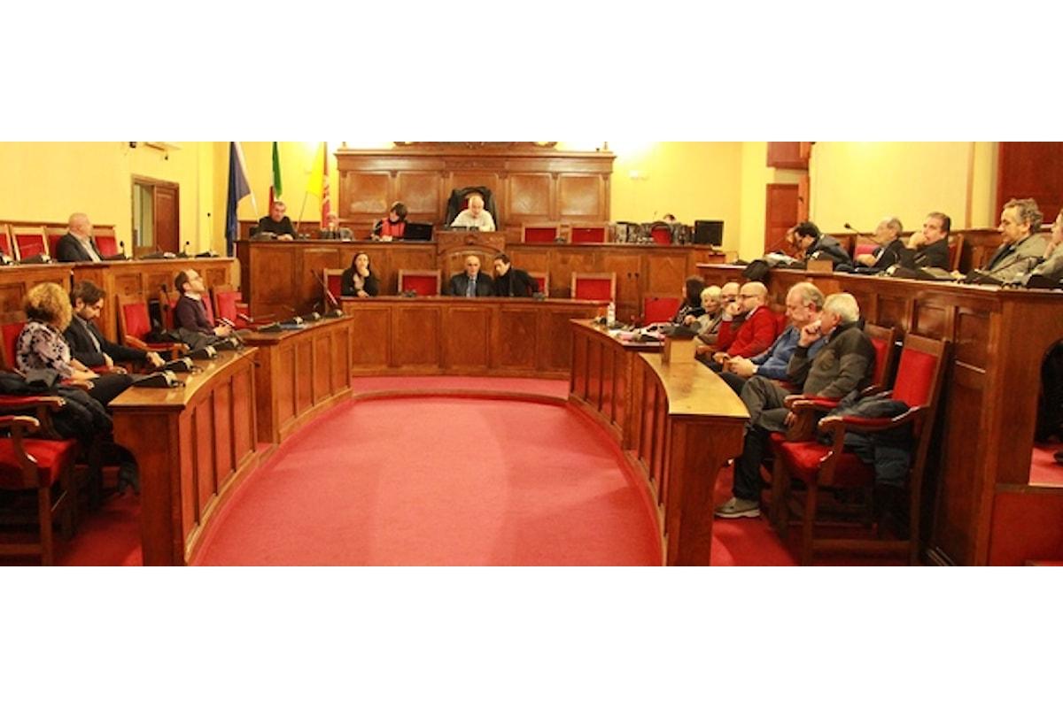 Milazzo (ME) - Seduta di Consiglio comunale con interrogazioni e mozioni