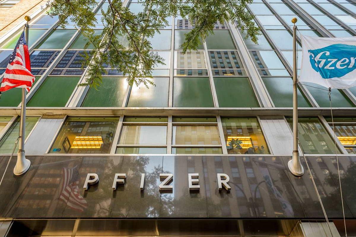 Pfizer e BioNTech chiedono all'FDA il via libera per distribuire il loro vaccino anti Covid in Usa