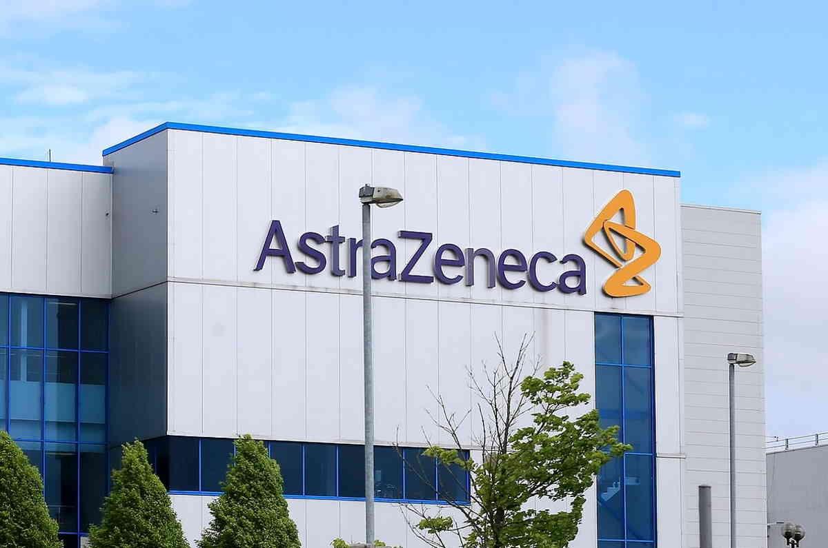 Curioso! AstraZeneca non presenta una richiesta di approvazione all'EMA, ma il suo vaccino sarà distribuito in UK già dal 4 gennaio