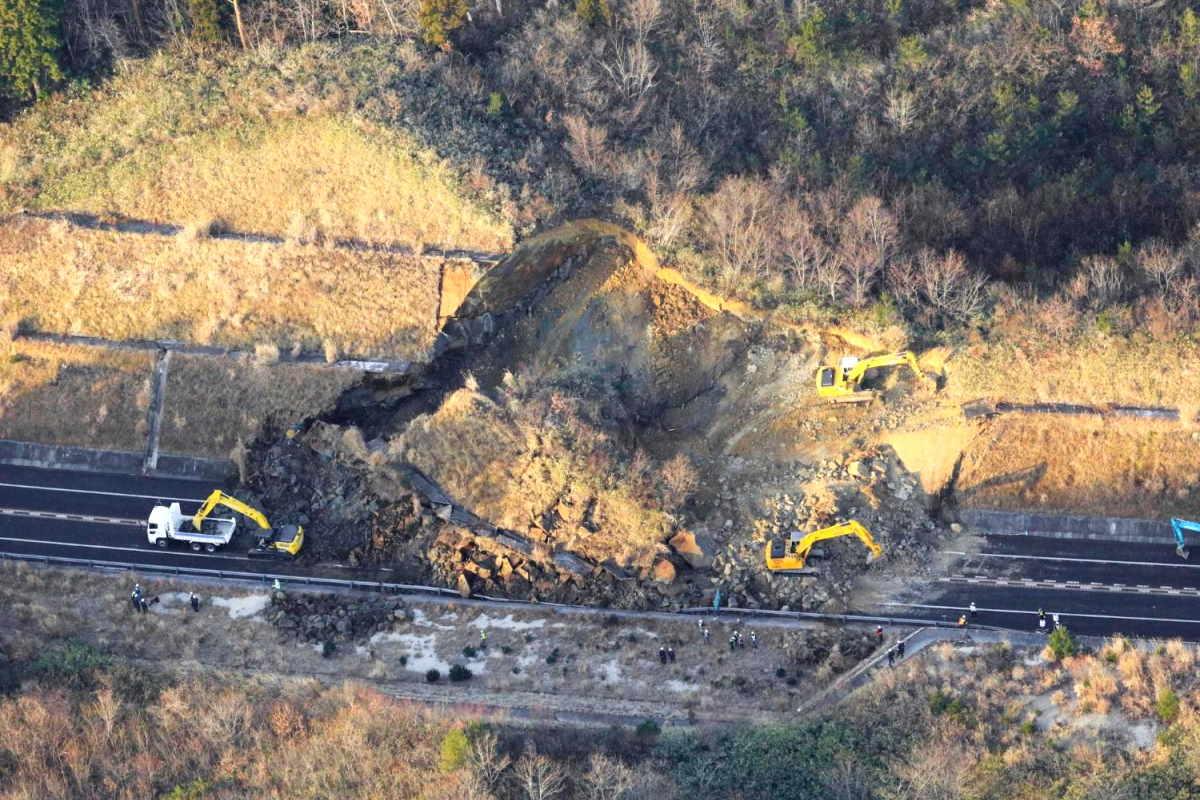 Terremoto in Giappone, più di 100 feriti dopo sisma 7.3