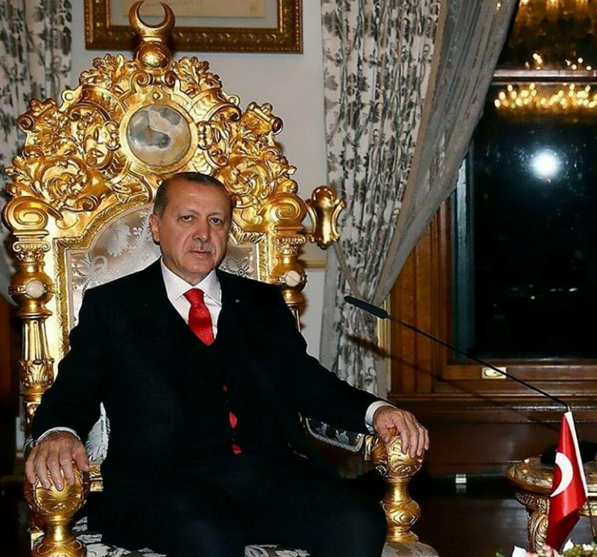 La stizza di Erdogan contro Mario Draghi per essere stato definito, giustamente, un dittatore