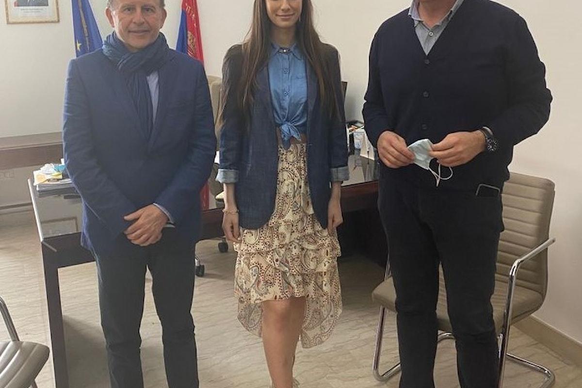 Milazzo (ME) - Il regista Rai Sciacca e Miss Italia 2020 in visita incontrano il Sindaco