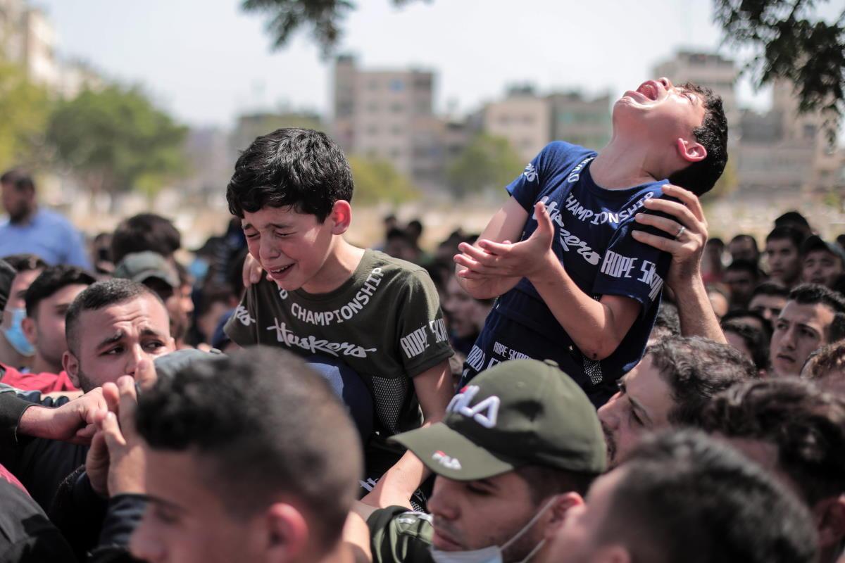 Continua il lancio di razzi tra Gaza ed Israele e si affaccia anche l'ombra della guerra civile