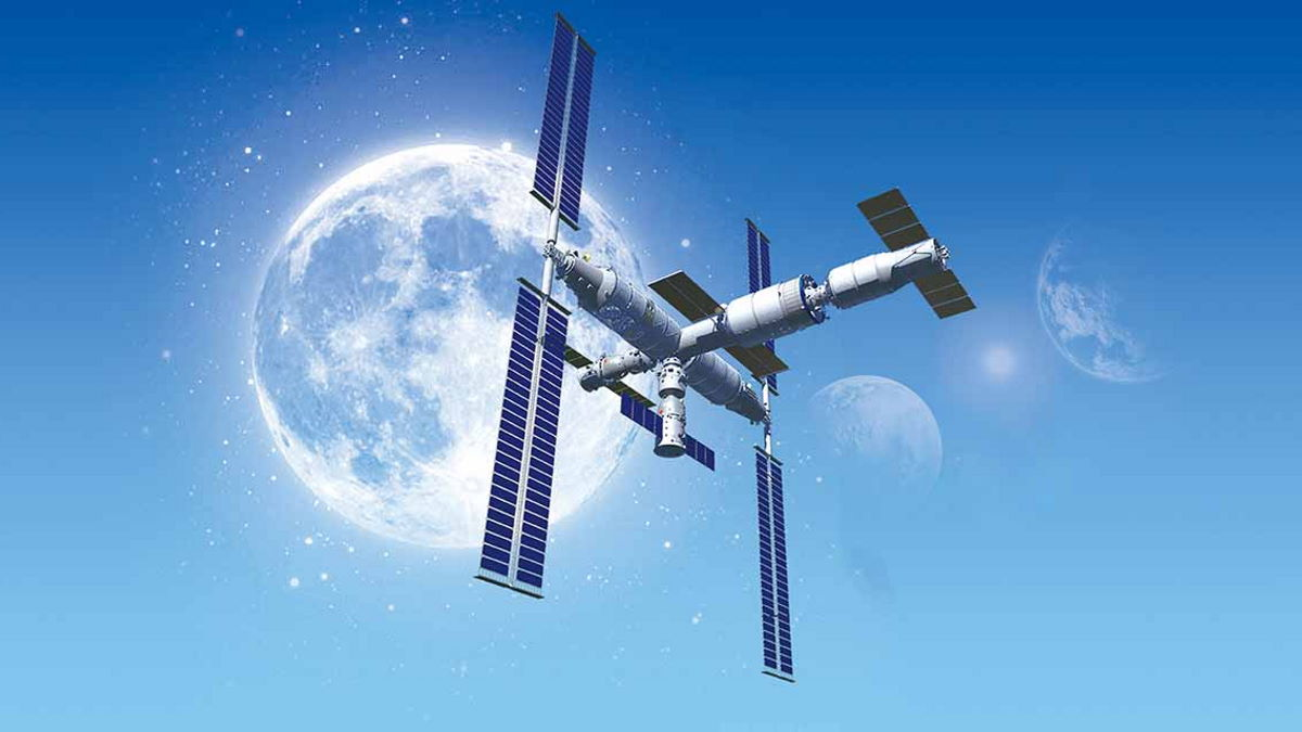 Tre astronauti cinesi già al lavoro per mettere in opera il modulo Tianhe