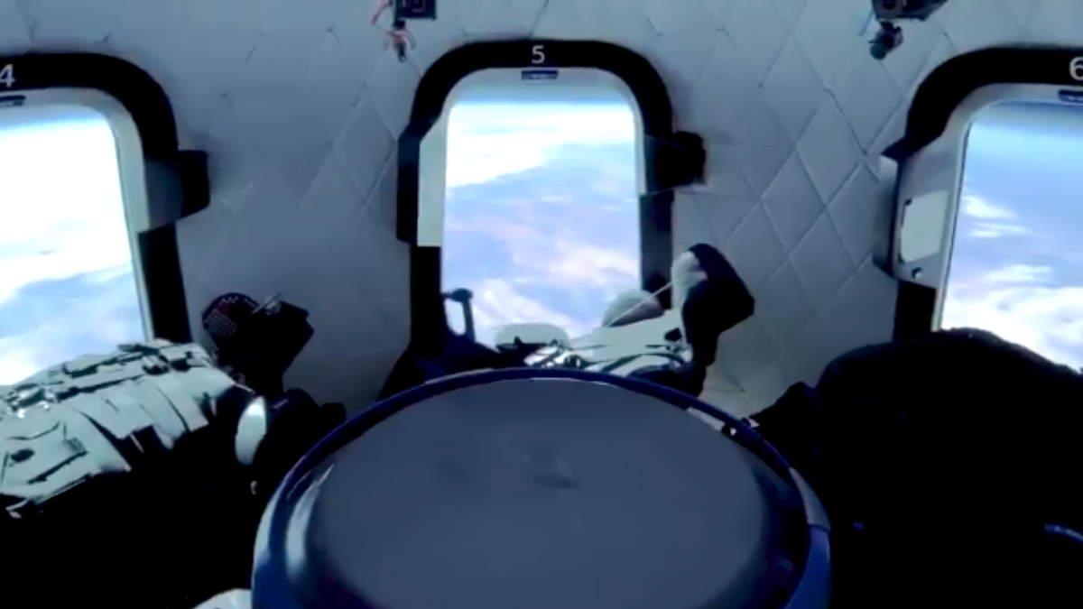 28 milioni di dollari è quanto ha pagato il turista misterioso che accompagnerà i fratelli Bezos nello spazio