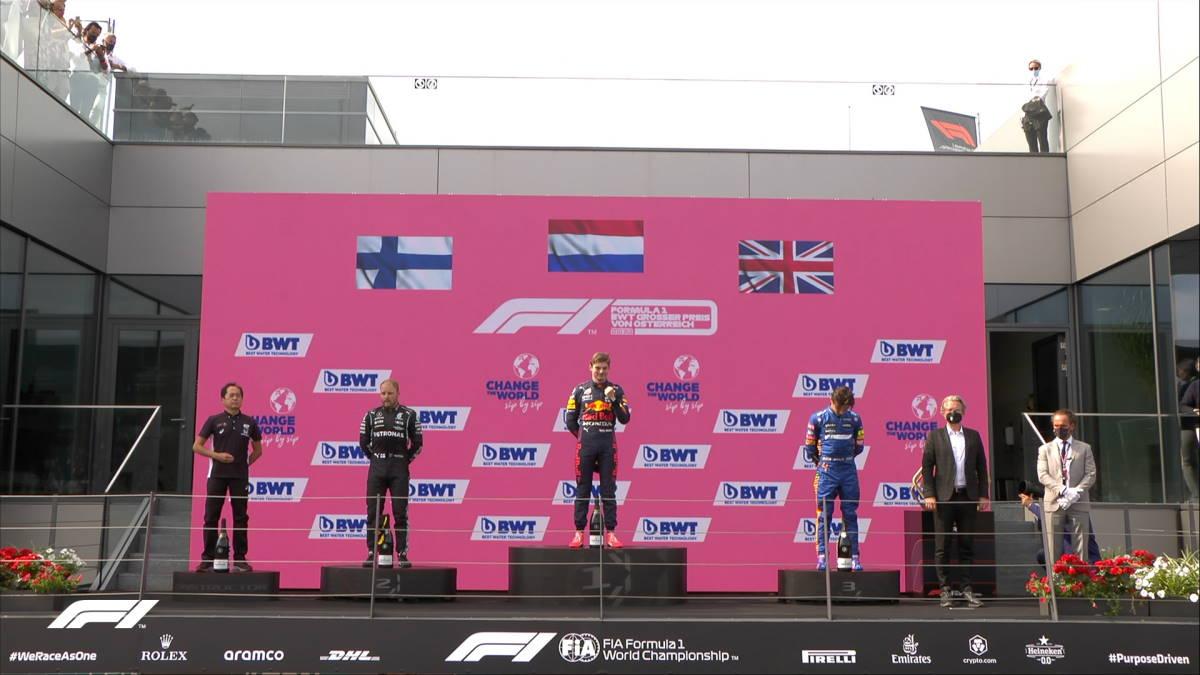 Formula 1, Verstappen vince anche il GP d'Austria e porta a 32 i punti di vantaggio su Hamilton nel mondiale piloti