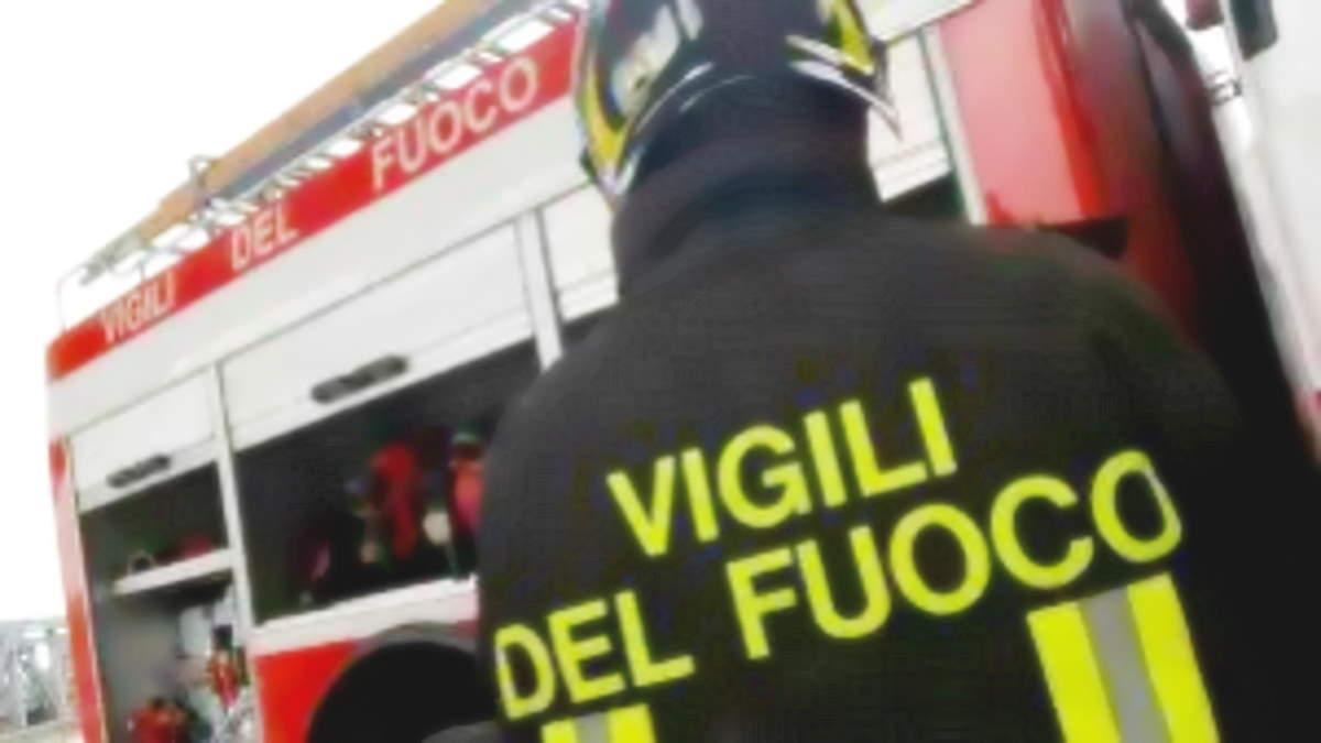 Alessandria: Vigili del Fuoco si ribellano al Green Pass, tutti assieme a pranzo senza divisioni