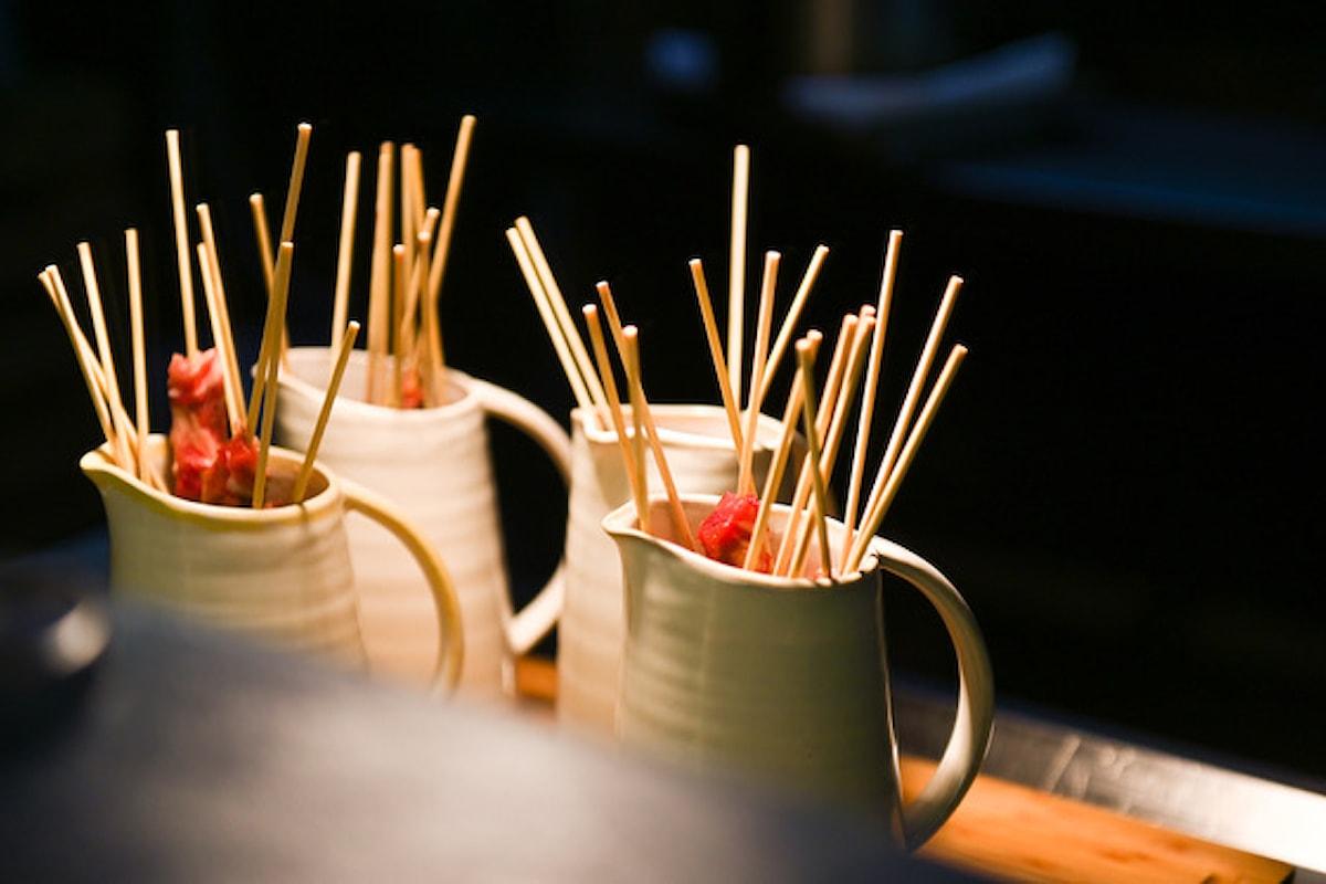 Locanda dei Giurati (Como), continua la sfida: quanti arrosticini riesci a mangiare?