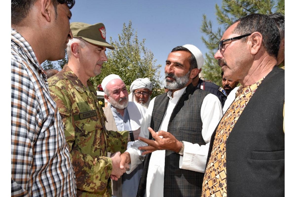 Afghanistan, militari italiani donano materiali ad agricoltori di Herat