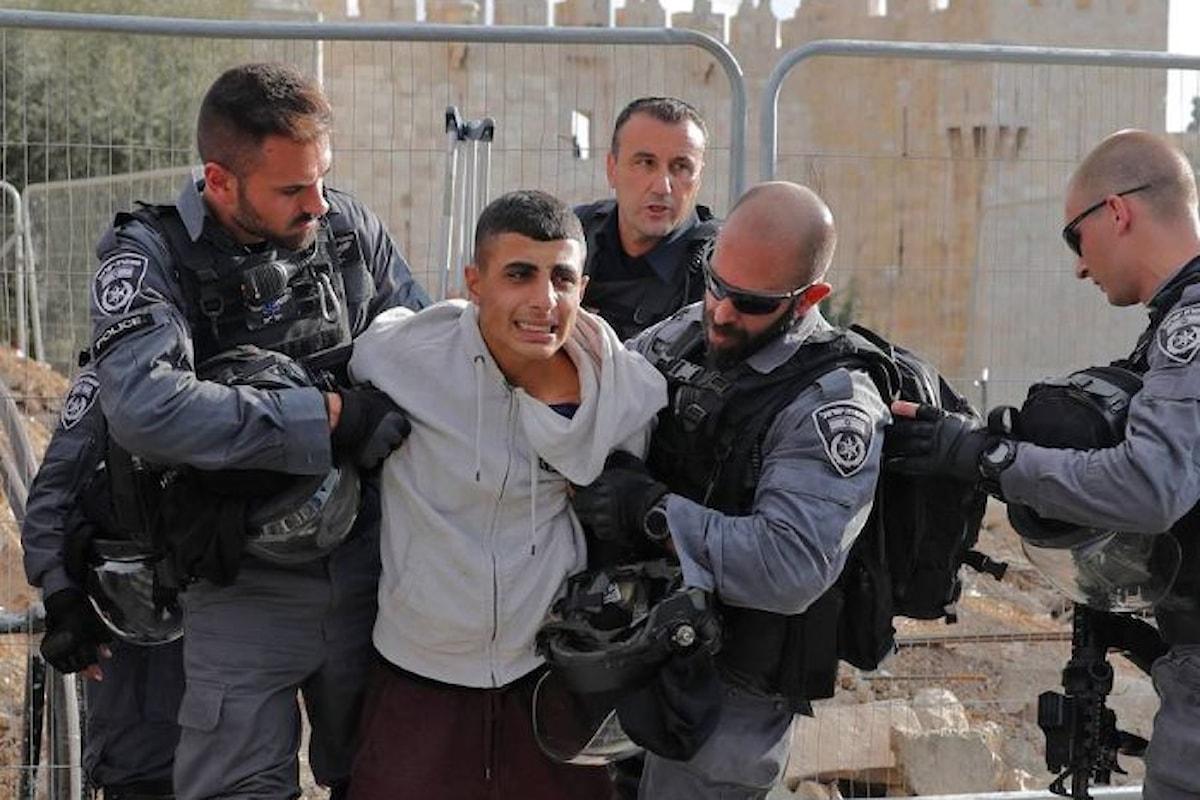 Dopo la preghiera continua anche questo venerdì la protesta in Cisgiordania con 4 morti e oltre 250 feriti