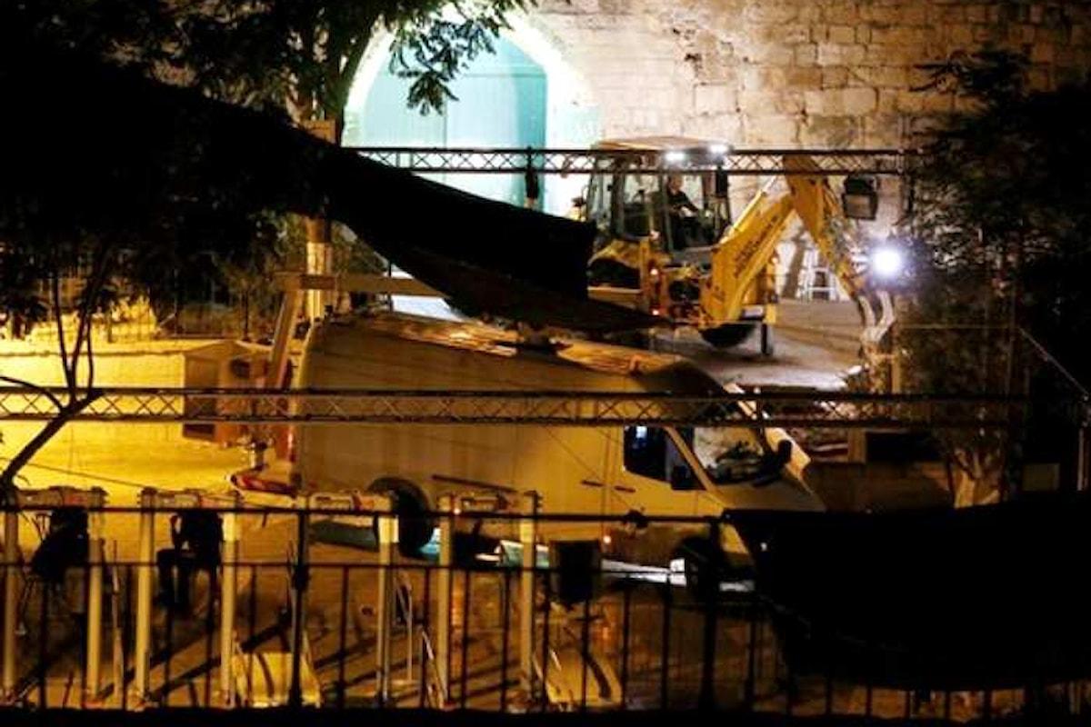 Israele fa marcia indietro e rimuove i metal detector dai punti di ingresso della Spianata delle moschee
