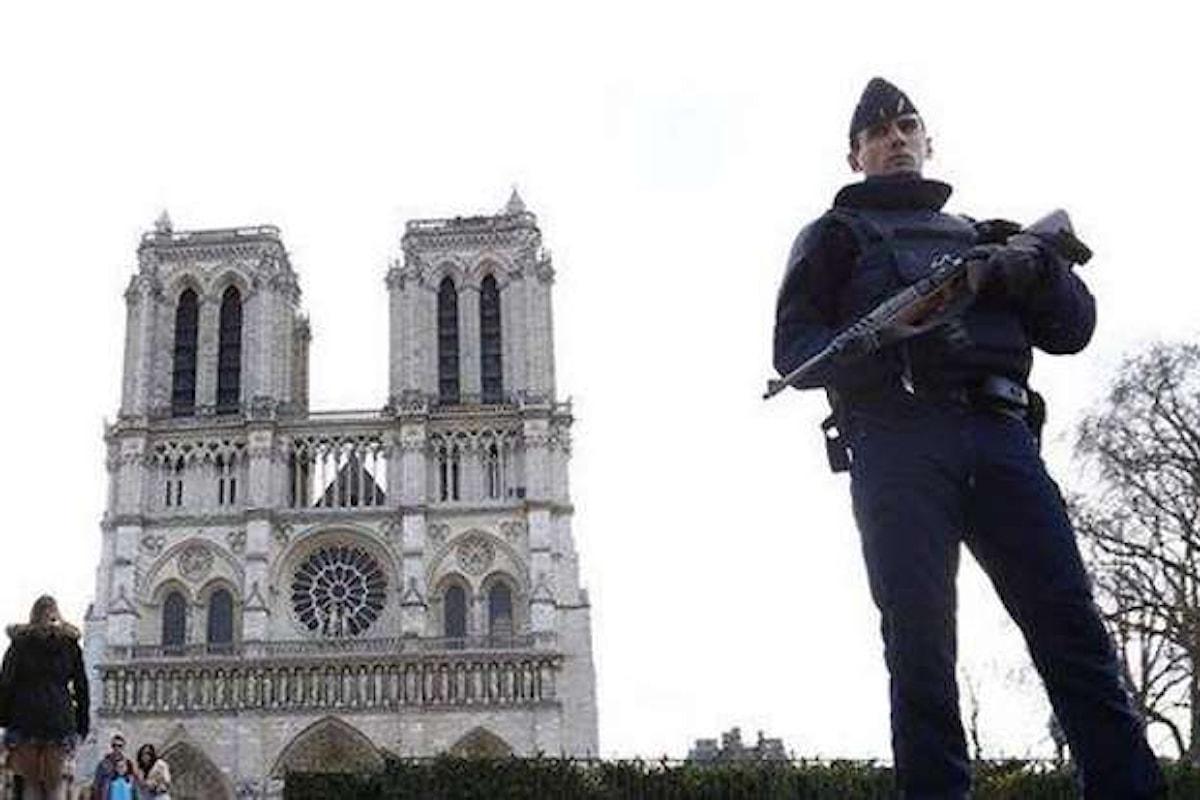 Nuovo attacco terroristico a Parigi nei pressi di Notre Dame