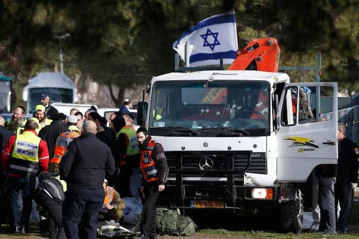 Arabo israeliano uccide quattro soldati di Israele investendoli con un camion