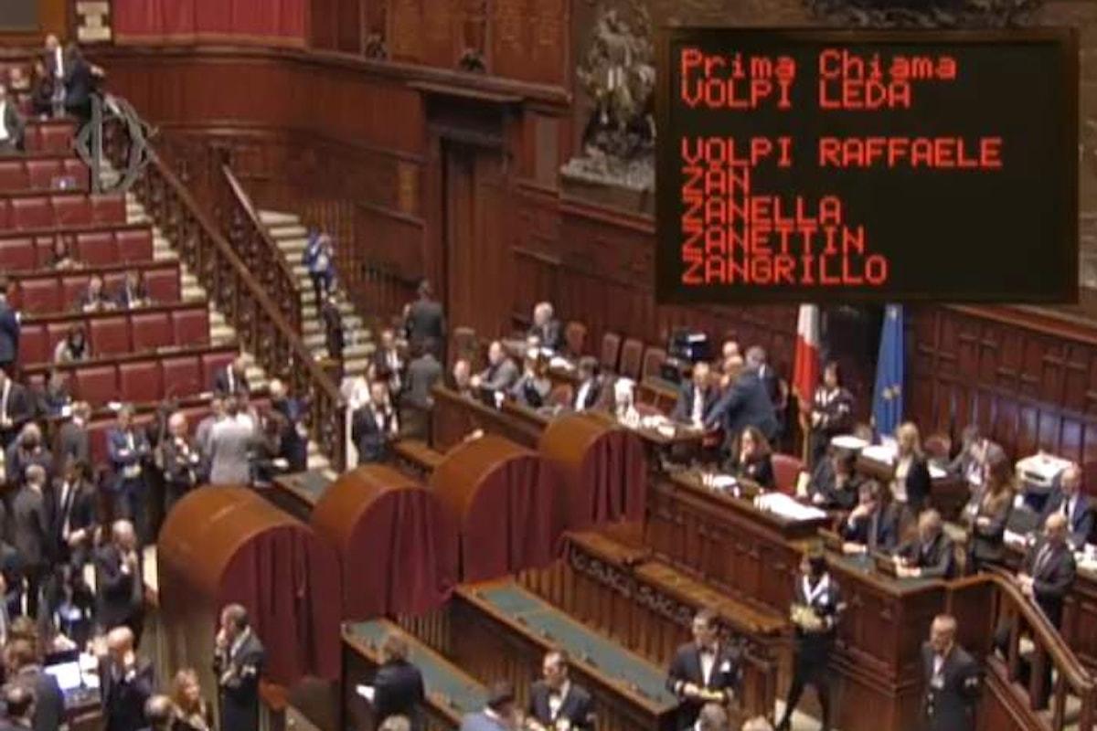 Berlusconi - Salvini è già lite. Alla prima giornata di legislatura si spacca la coalizione di centrodestra