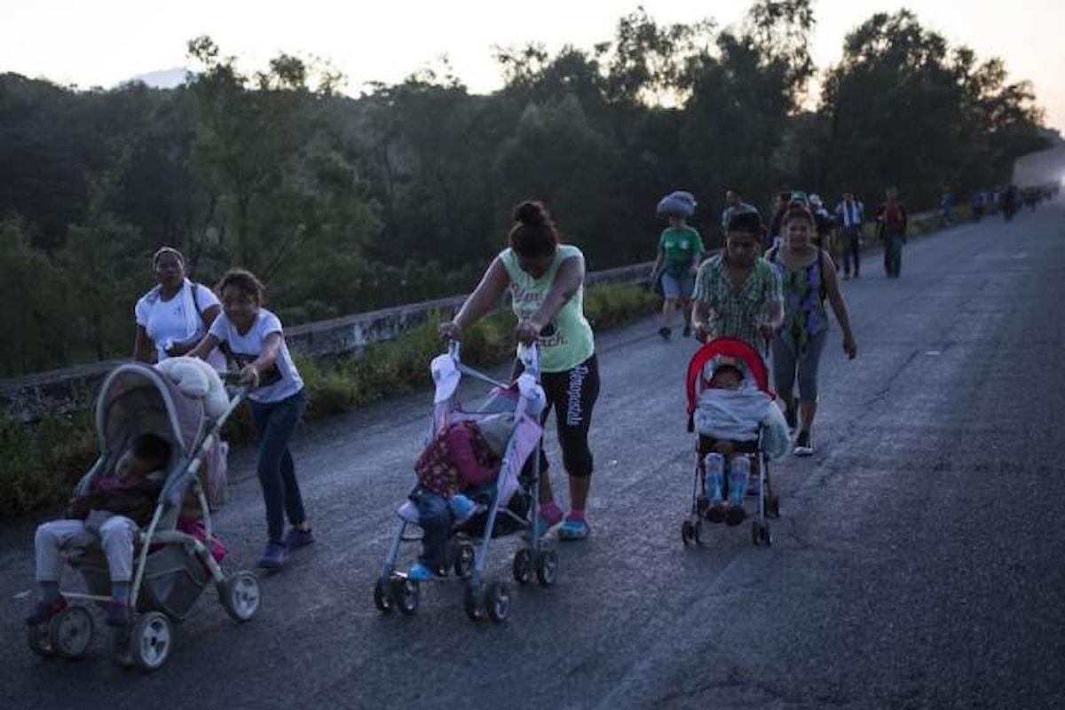Trump dice che invierà l'esercito per fermare la marcia dei migranti provenienti dal Centro America