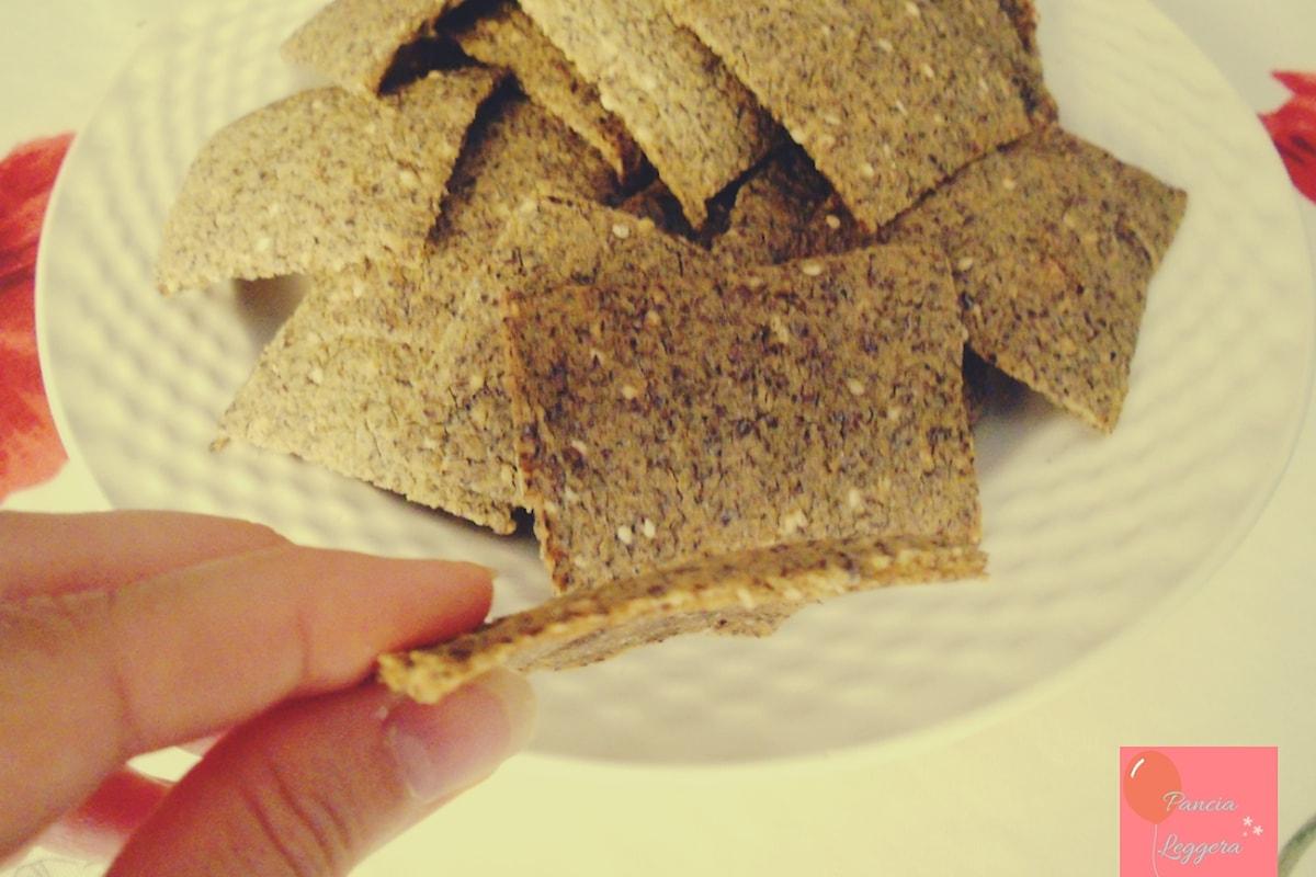 Favolosi crackers senza glutine da preparare a casa come alternativa ai crackers industriali!