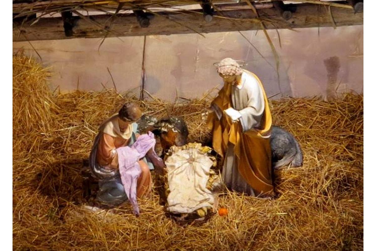 Perché cantare Gesù se lo possiamo sostituire con laggiù? L'inutile politicamente corretto che si ripete ogni Natale