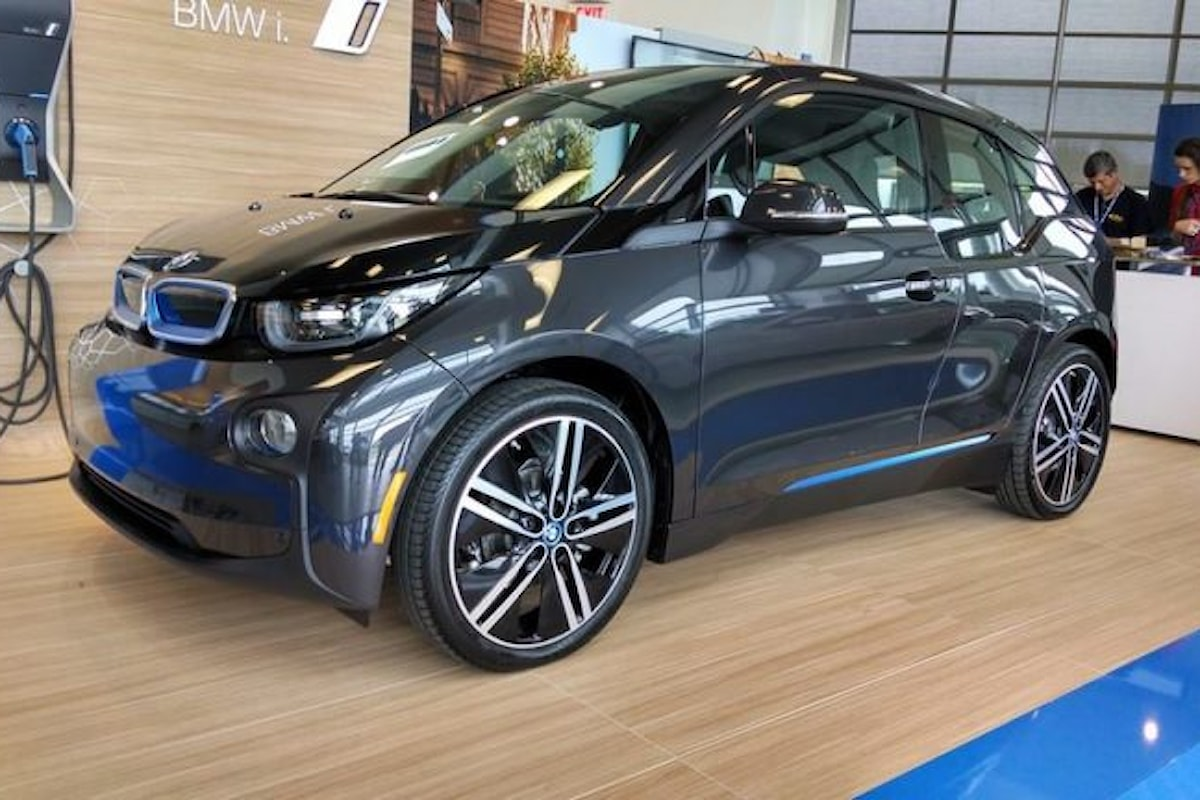 Migliaia di BMW i3 REx richiamate Oltreoceano