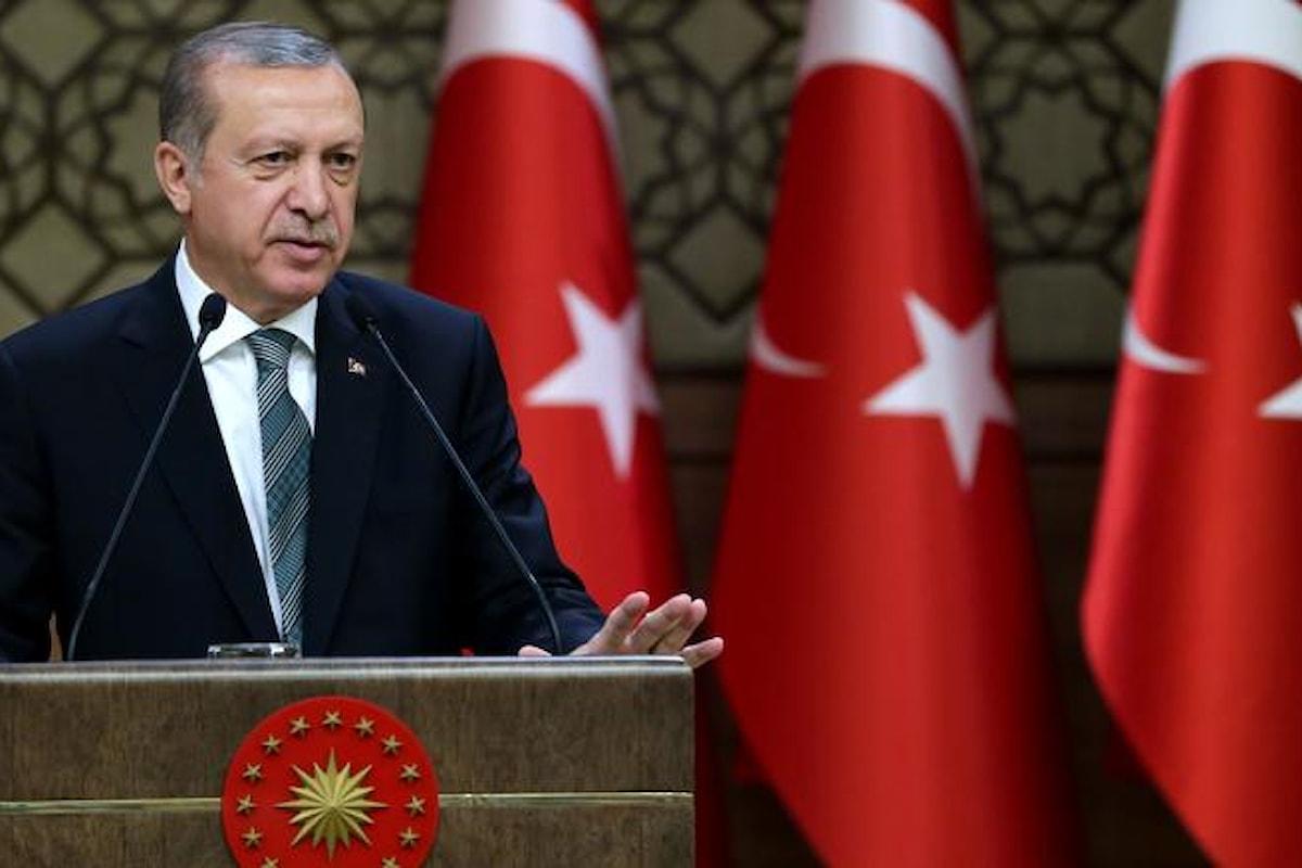 Lira in declino e inflazione alta, così la Turchia rischia grosso