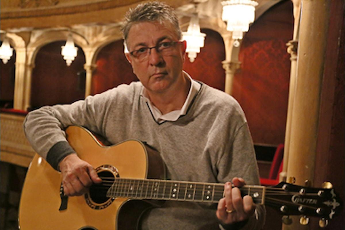 De Bastiani, il cantatutore che sfida la modernità