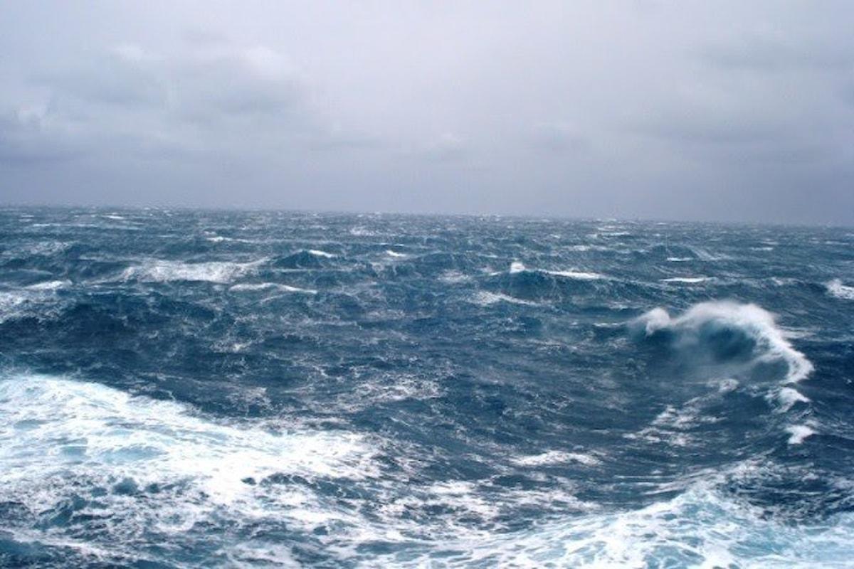 Allerta meteo Campania lunedì 23 luglio, piogge e temporali